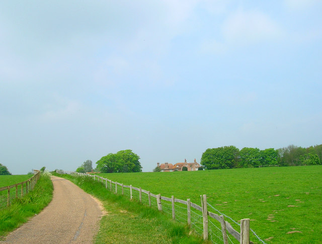 Approaching Wootton Manor