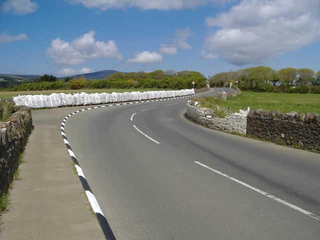 Bends at 'Iron Gate' on the A 28