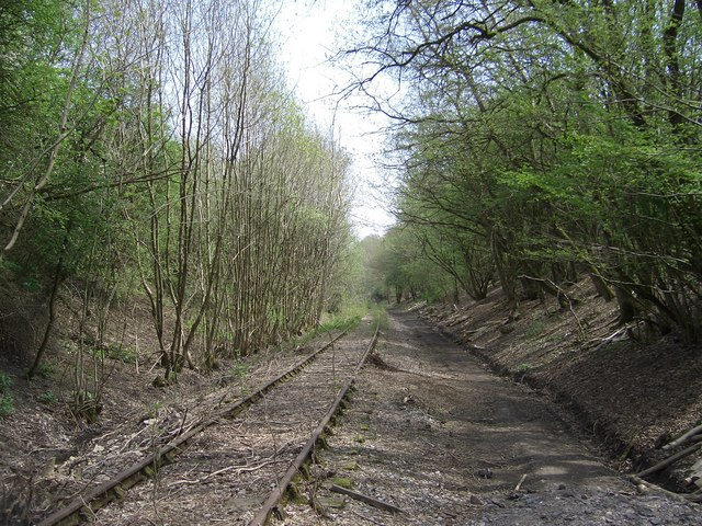 Disused Railway just below Newbury Hill, yet to be finished off as National Cycleway 24