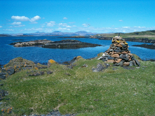 Cairn and skerries