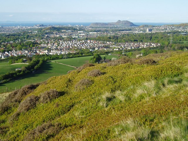 View over Edinburgh from Torduff Hill