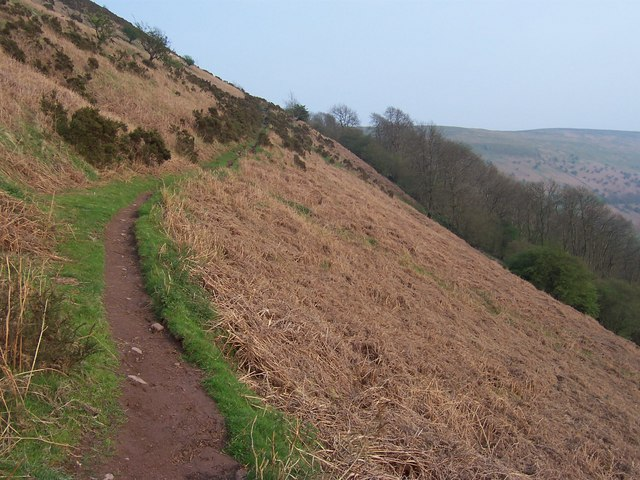 Path between Llanthony Priory and Hatterrall Hill