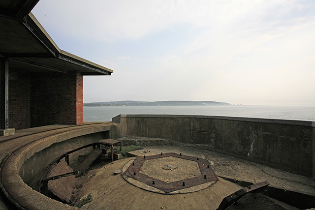 Hurst Castle: WWII emplacement