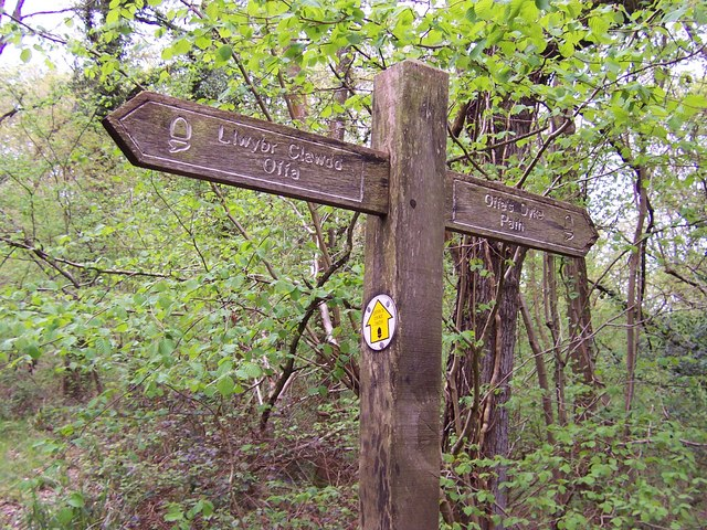 Offa's Dyke Fingerpost in King's Wood