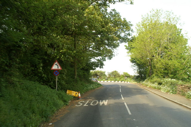 The A30 winding out of Buryas Bridge