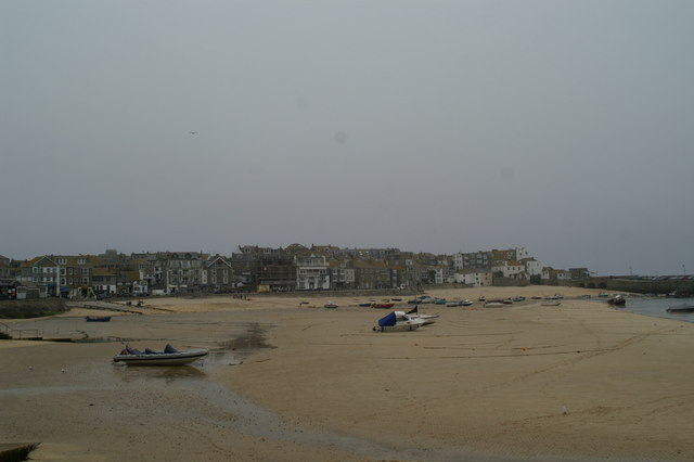 Dry harbour at St Ives