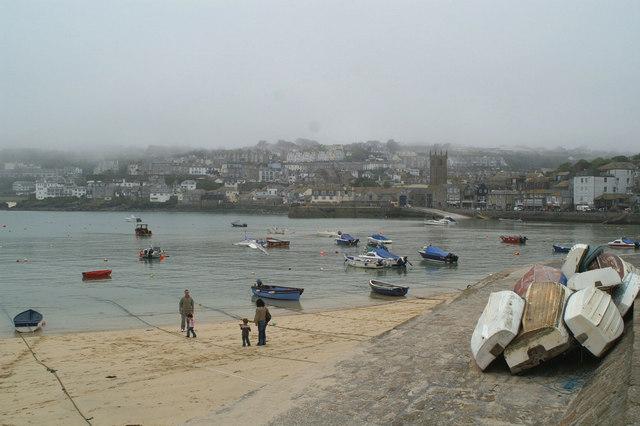 Rising tide, St Ives harbour
