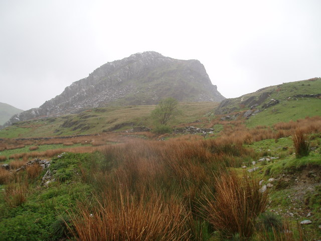South side of Clogwynygarreg