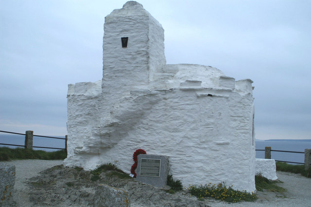 The Huer's Hut overlooking Newquay Bay