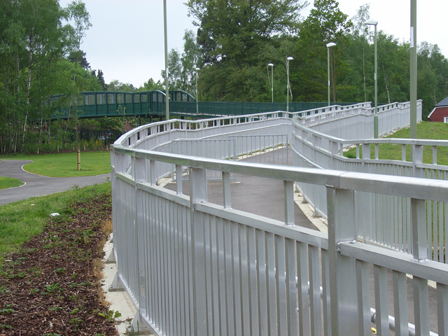 New footbridge, Elvetham Heath