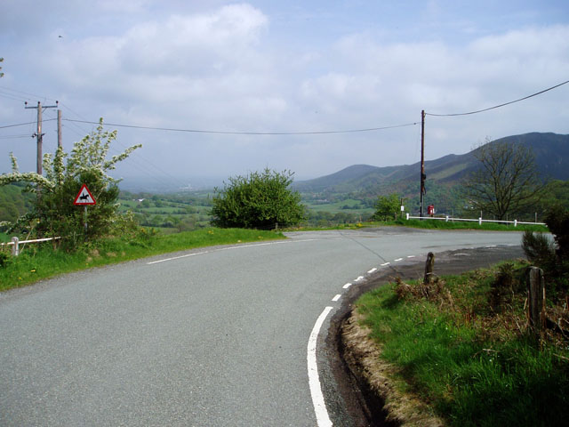 Bend in the road near Stiperstones