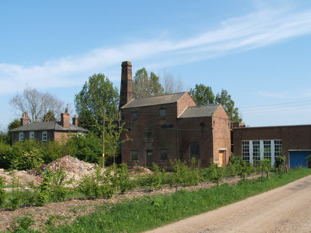 Disused pumping station Crooked Bank