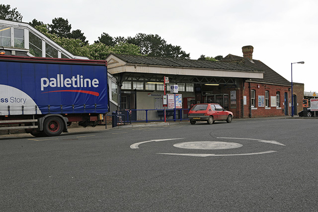 Brockenhurst Station main entrance
