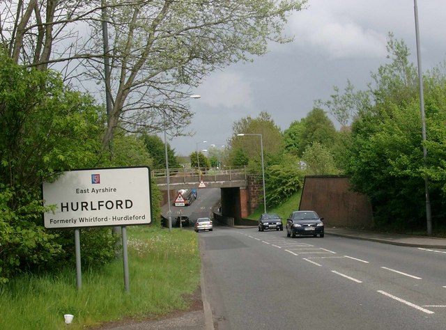 Approaching Hurlford from the west