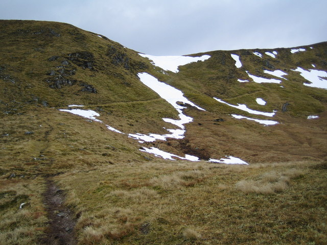 Path across the upper southeast slopes of Sgurr na Fearstaig