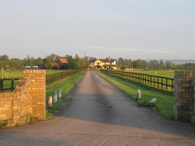Entrance to Low Farm, Croydon, Cambs
