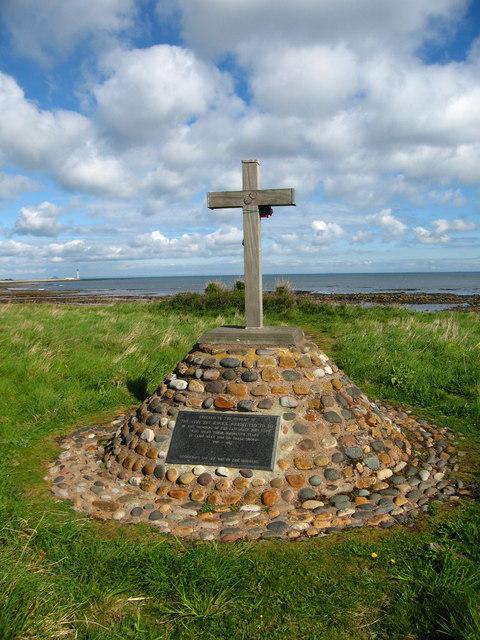 Memorial at Chapel Point, Skateraw