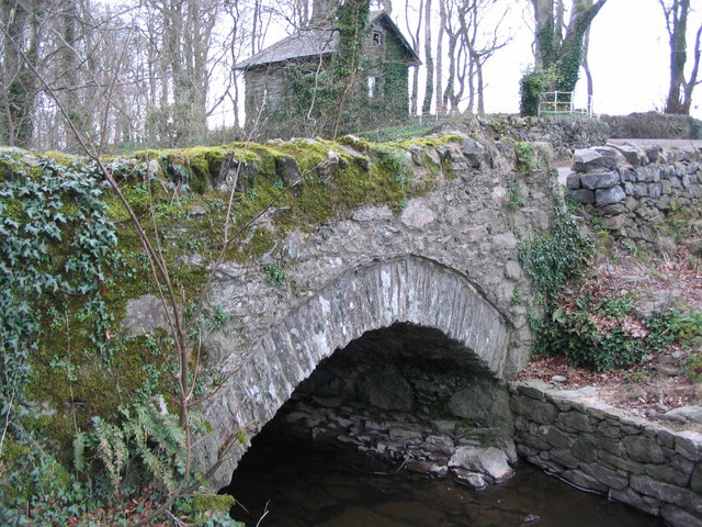 Bridge and lodge near Llynon Hall