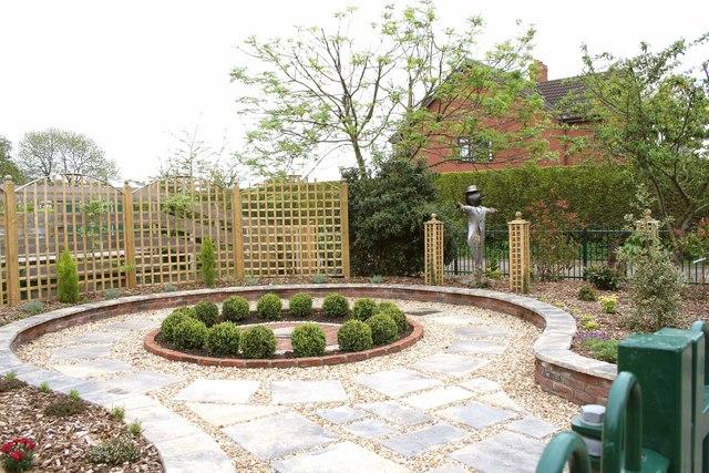 Gowdall Nr Snaith, Village Garden feature