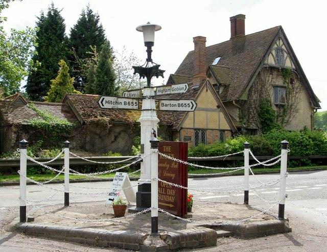 Hexton Pump and crossroads