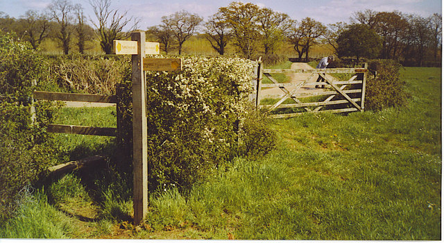 Stile and Footpath T-Junction by Redland Farm.