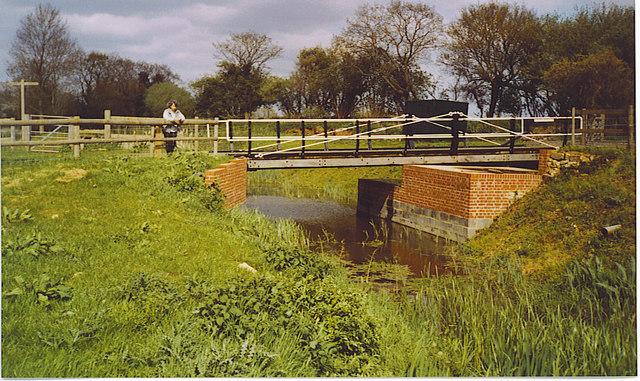 Haybarn Swing Bridge, Wey and Arun Canal.
