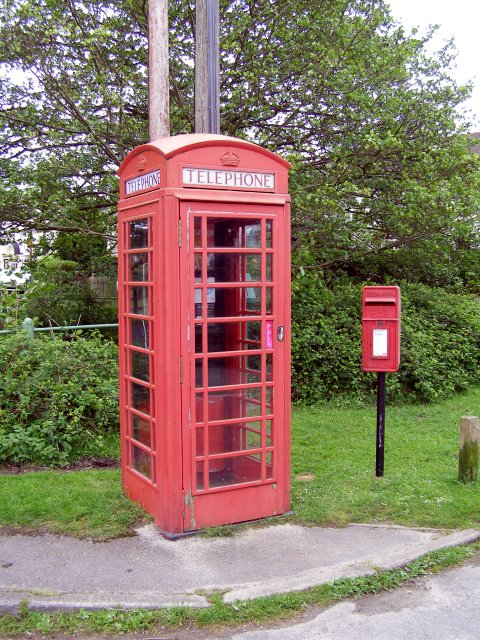 Telephone kiosk and postbox on the corner of Butts Lawn and Meerut Road, Brockenhurst