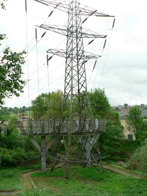 Pylon by Commercial Road, Kirkstall, Leeds