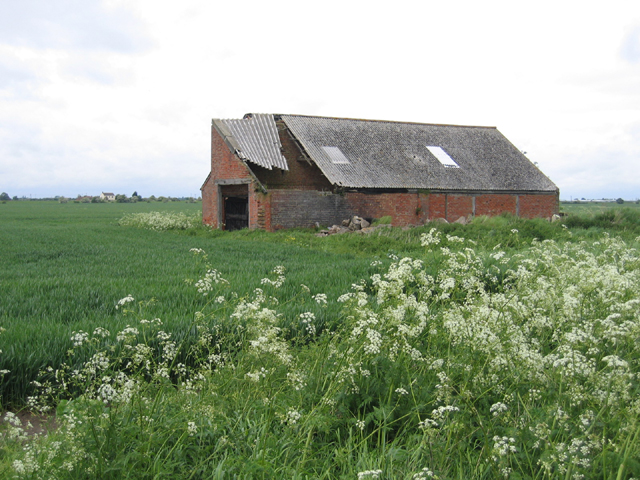 Dilapidated barn, Kirton Middle Fen, Lincs
