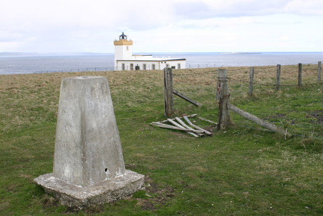 Duncansby Head trig and lighthouse