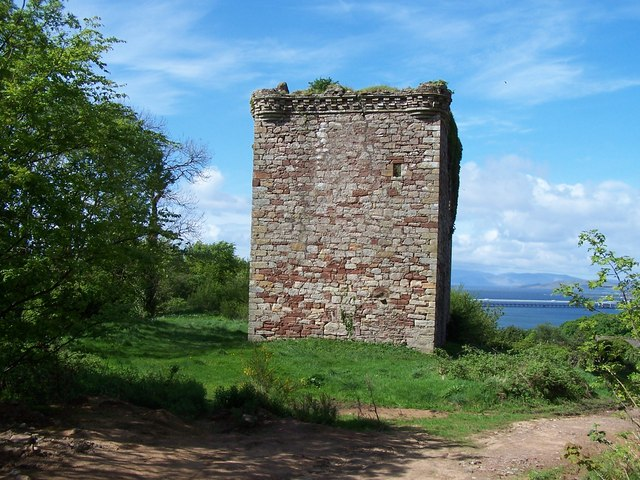 Fairlie Glen, ruins of Fairlie Castle