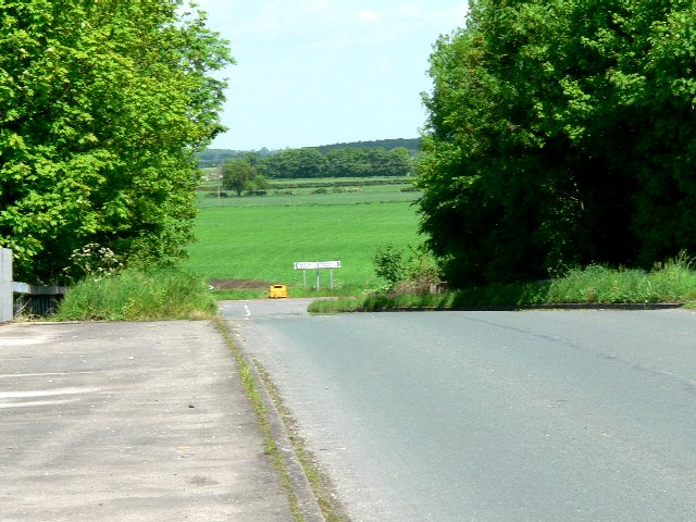 Road from Newport to Sandholme Landing