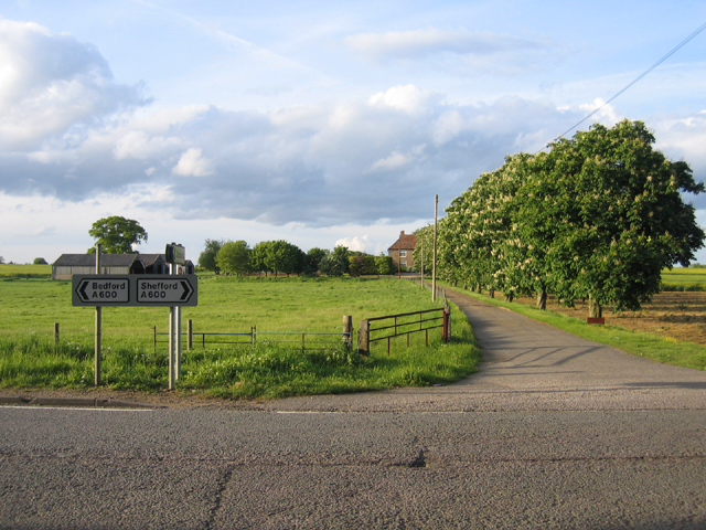 New Rowney Farm drive, Southill, Beds