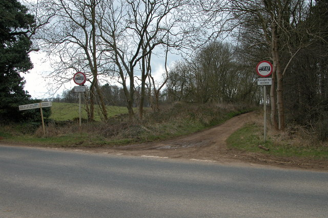 Unmetalled road to Taddington