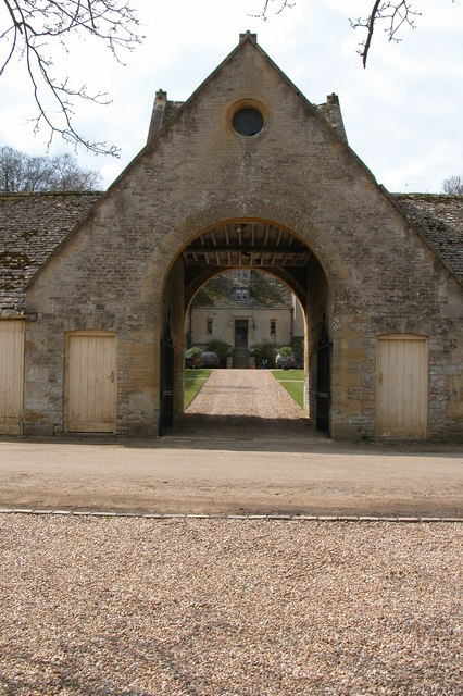 Entrance to Hinchwick Manor
