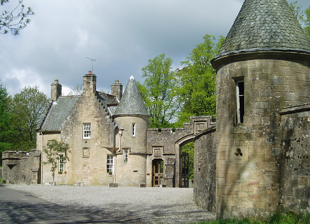 Lodge House and gateway, Lanrick