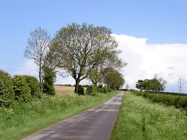 The road to Etton