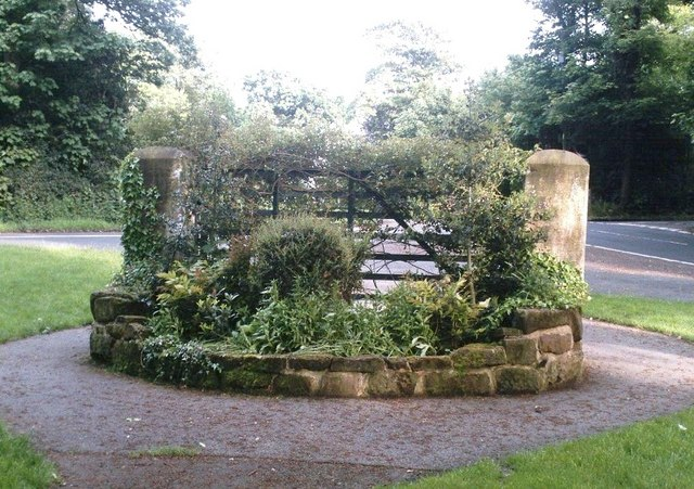 Delamere Park Old Entrance Gate, Ravenhead