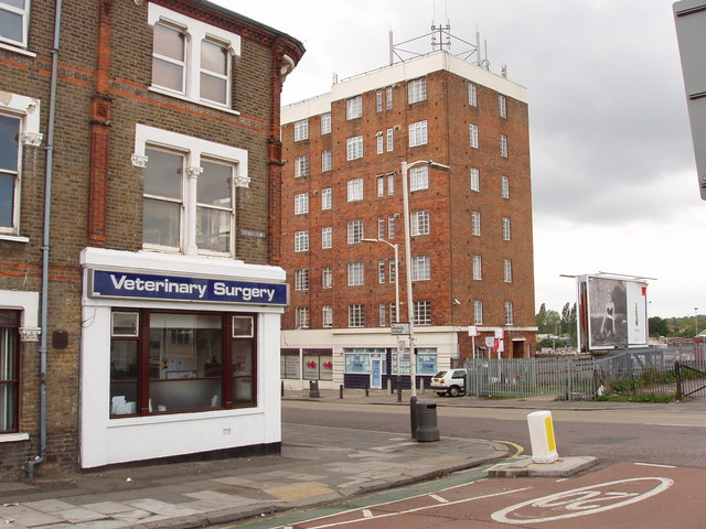 Veterinary surgery, Horn Lane, North Acton