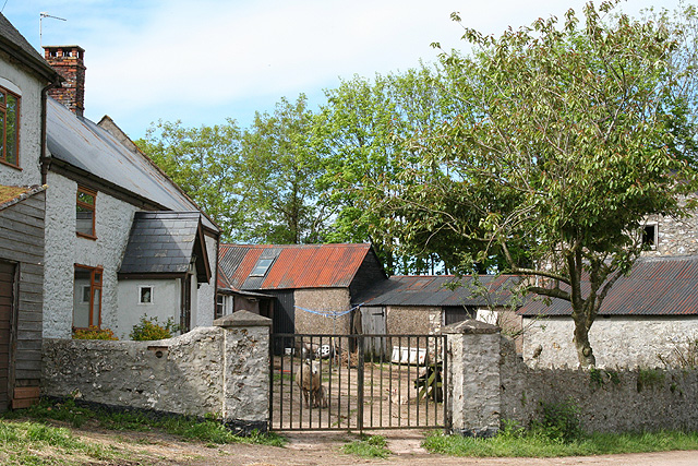 Clayhidon: farmhouse at Wilton Cross