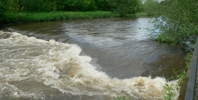 Weir in flood on the River Aire, Kirkstall