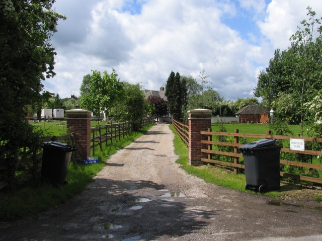 Entrance to Merry Lees Farm