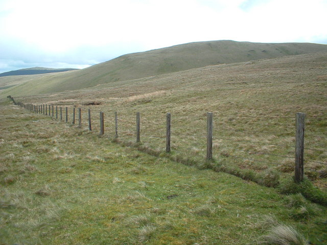 Across the slopes of Skythorn Hill to Middle Hill