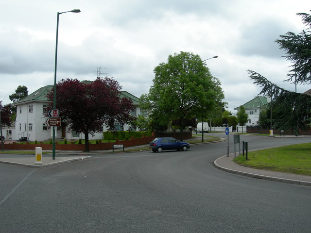 Watford Road, roundabout