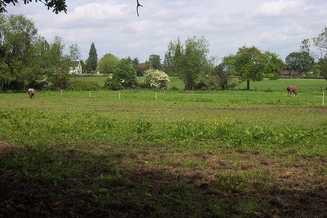 Near Upper Landywood