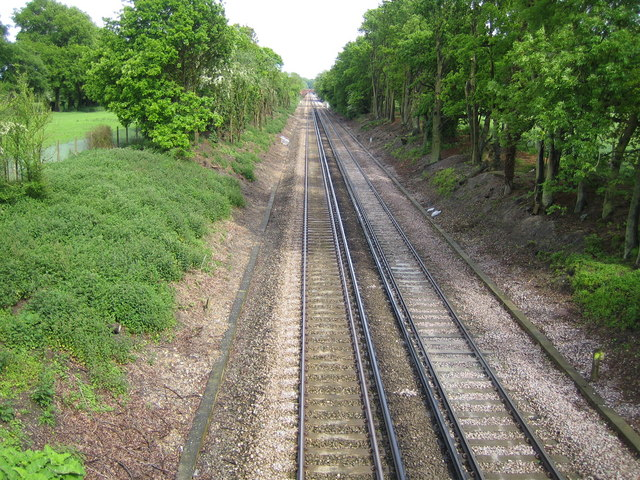Tonbridge to Redhill railway line