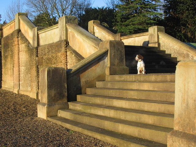 Springer on the Golden Steps of Hamilton Mausoleum.