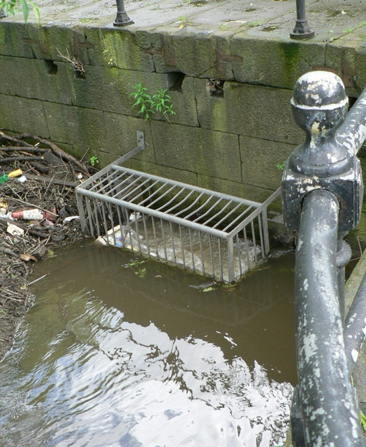 Water entering the Goit, Kirkstall, Leeds