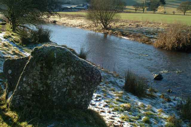 Girdle Stanes and River White Esk