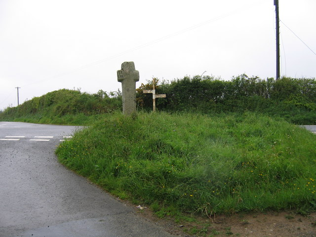 Bosent Cross looking west